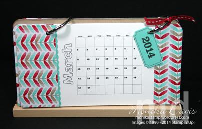 2014-calendar-stand3